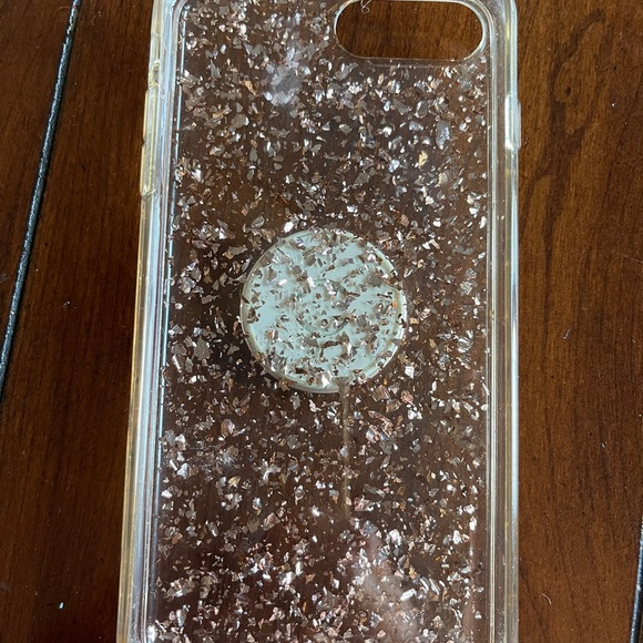 iPhone 7plus Phone cover with pop socket included